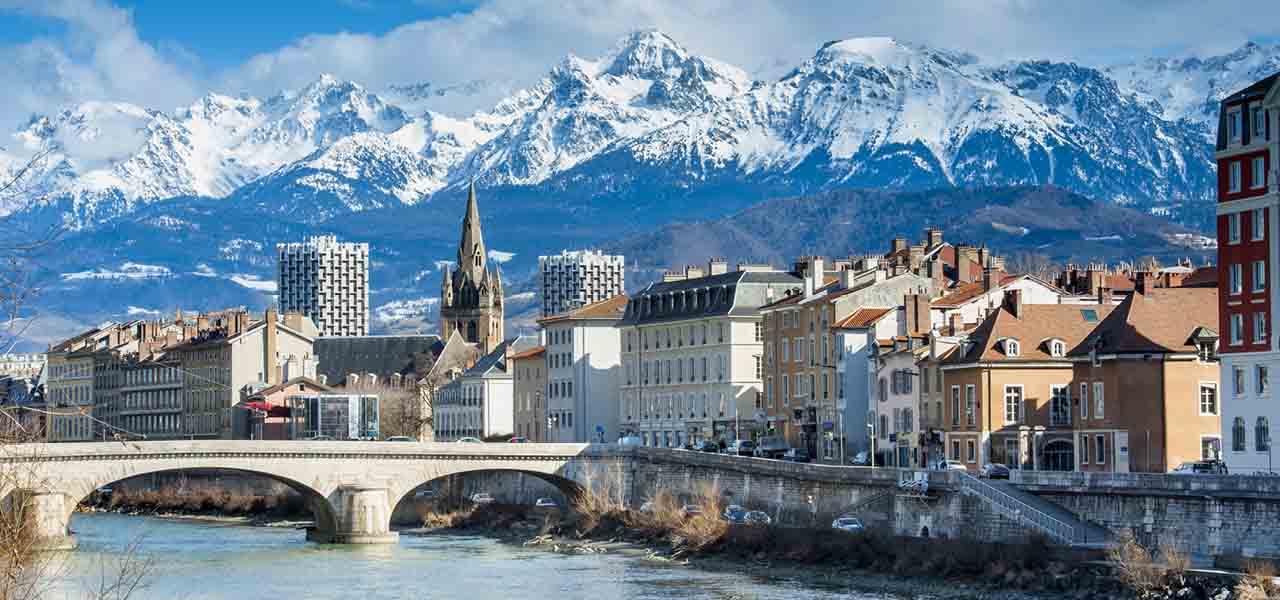 Pourquoi choisir un camping dans la zone Auvergne-Rhône-Alpes ?
