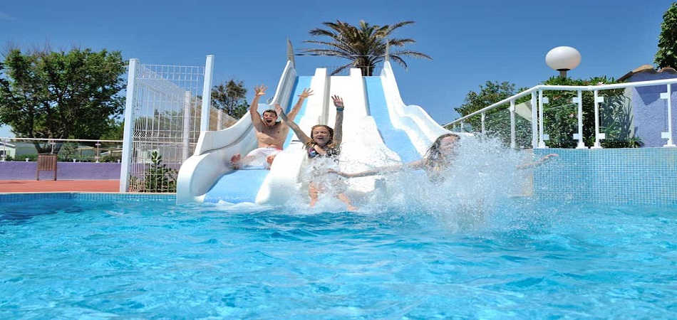 Profitez d'un emplacement idéal sur la Méditerranée, au camping club Le Marisol !